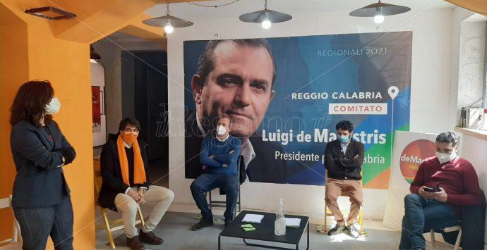 De Magistris all'attacco: «La Calabria in zona rossa per il fallimento della politica»