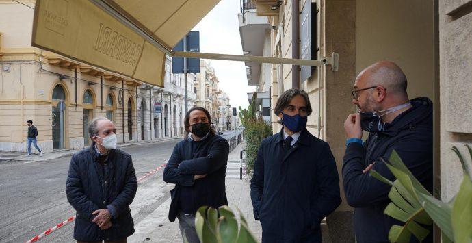 Reggio Calabria, in corso la bitumazione di via Campanella