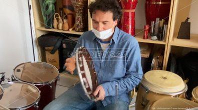 Locri, a scuola di tamburello con Massimo Cusato