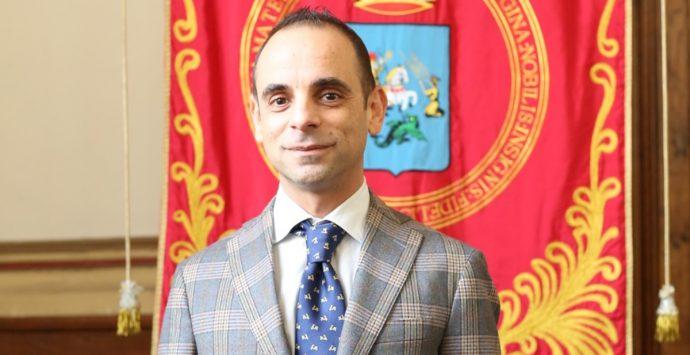 Feto di plastica all'eurodeputata Picierno, la solidarietà di Enzo Marra