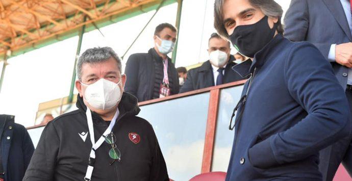 Fiamma tricolore: «Calabresi confinati a casa e politici a spassarsela allo stadio»