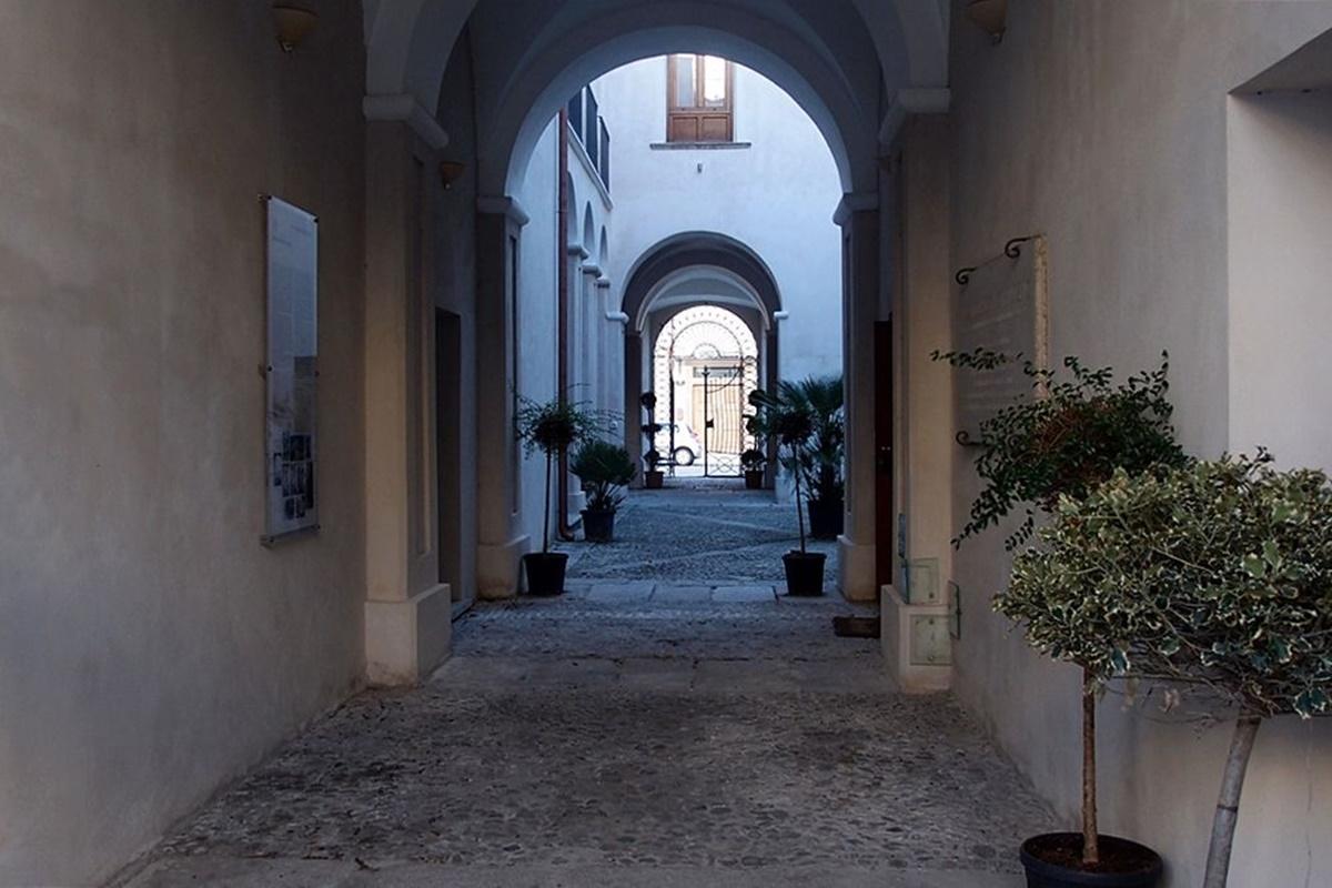 Locri intitola uno spazio culturale e smart library a Paolo Pollichieni