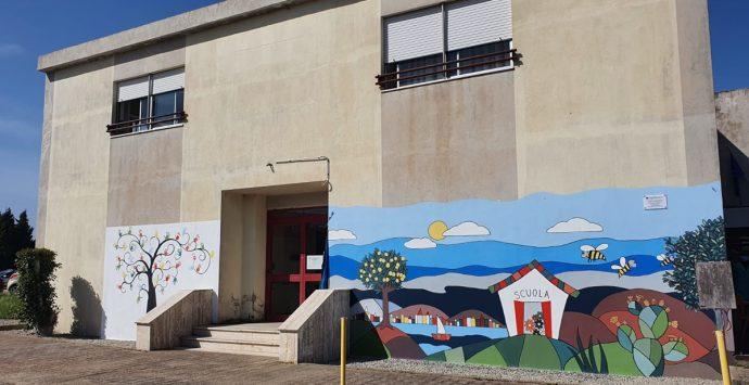 """Murales dell'Istituto comprensivo """"Moscato"""" di Gallina, Marino: «Segnale di speranza e rinascita»"""
