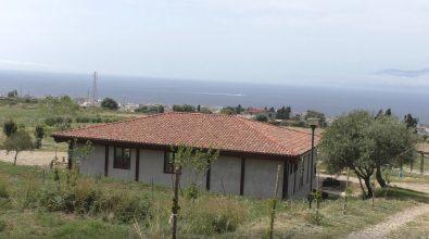 Ecolandia, salpa la nave di Teseo in memoria di Giuseppe Spinelli