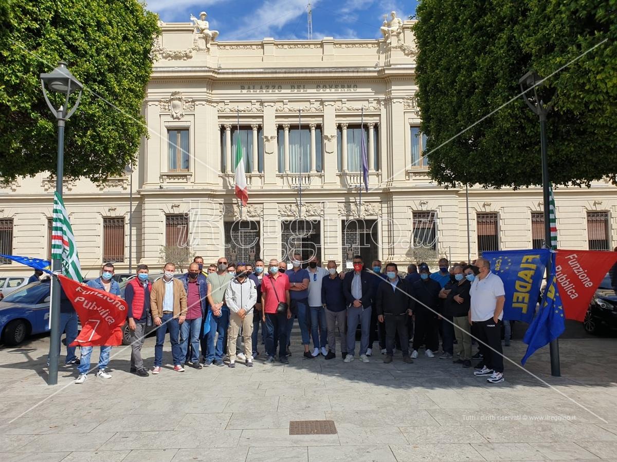 Lavoratori Avr ed Ecologia Oggi senza stipendi in piazza. Pronti ad uno sciopero di 48 ore
