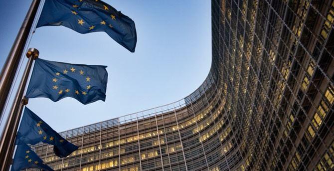 «L'Europa modifichi il Pnrr dell'Italia che penalizza il Sud»: presentata la petizione a Bruxelles