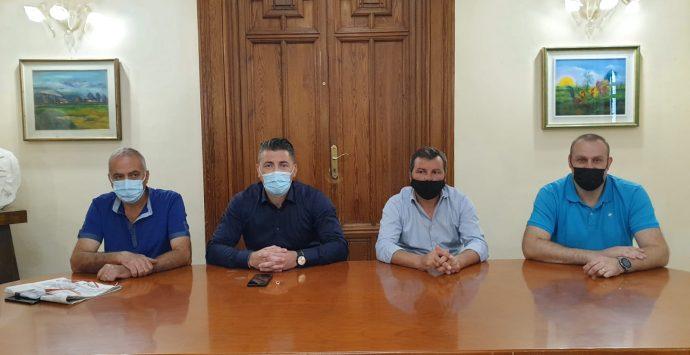Rifiuti, Avr sospende i due giorni di sciopero. Tavolo in prefettura