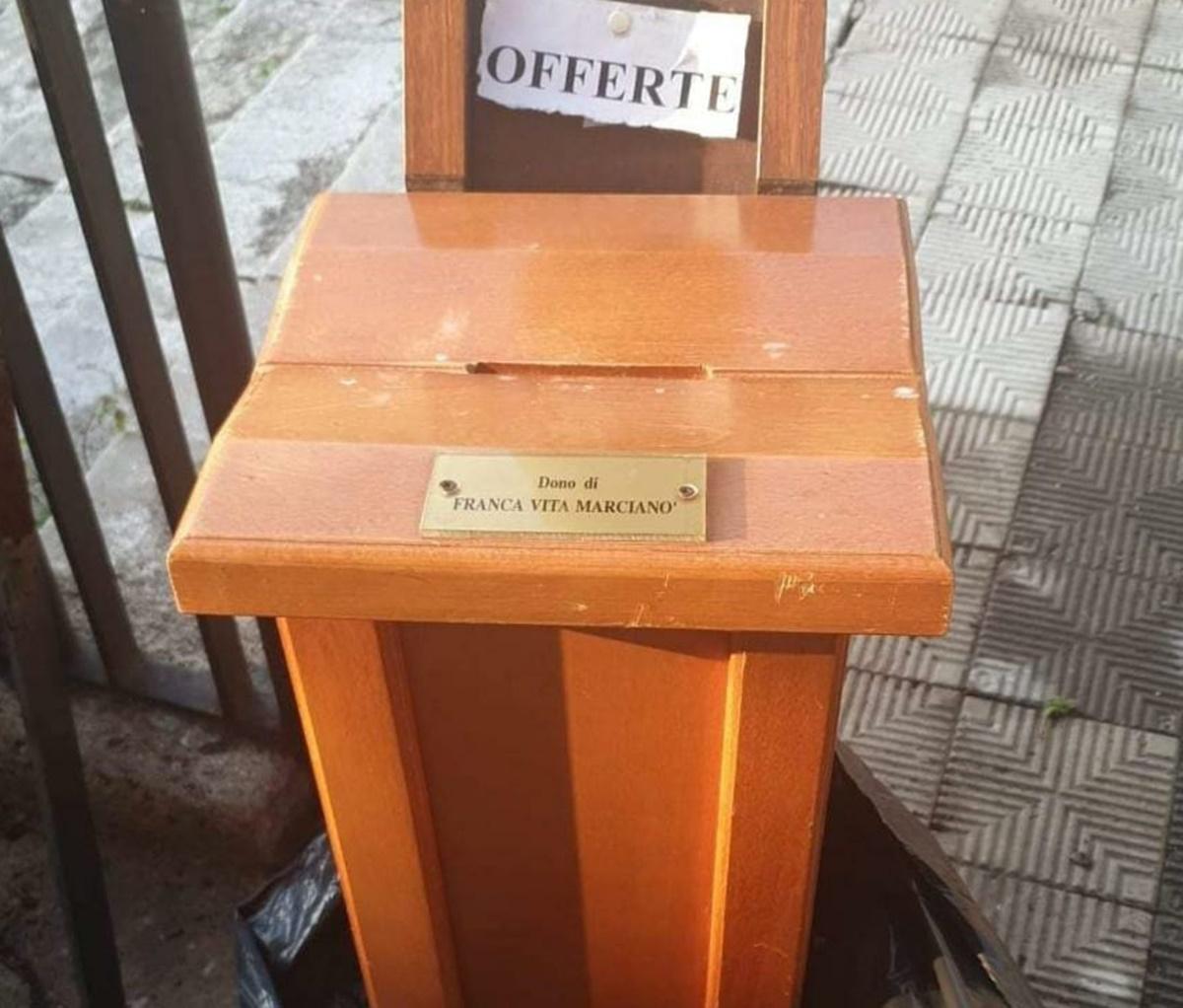 Reggio, rubano cassetta delle offerte da una chiesa e l'abbandonano in via Giudecca