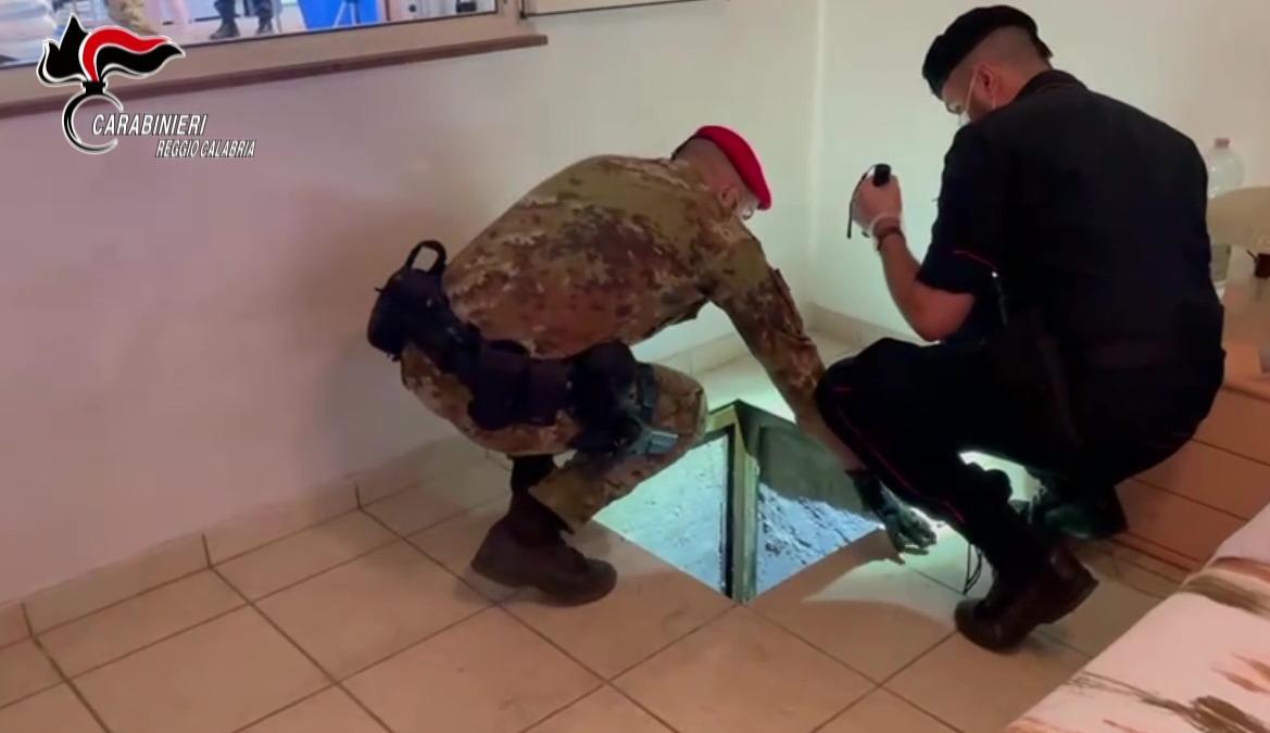 Taurianova, scoperto un bunker in casa privata. Denunciato il proprietario