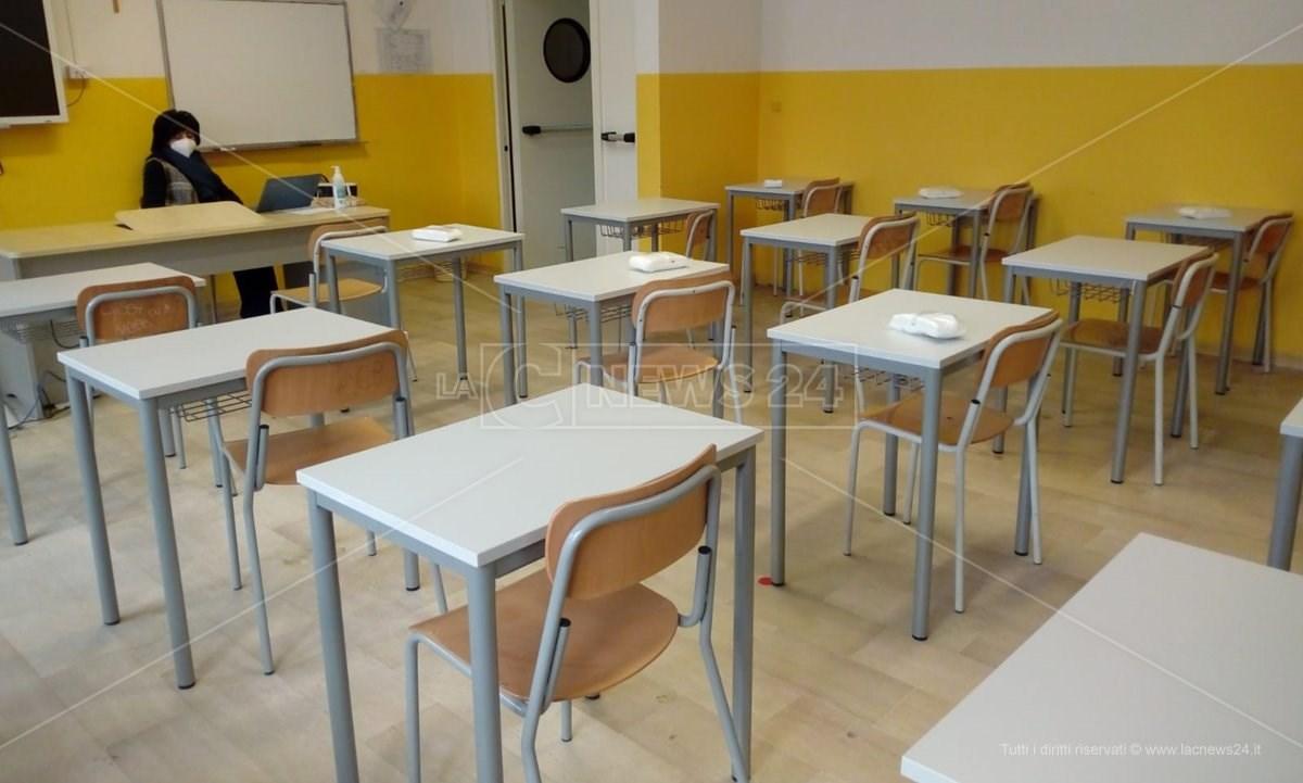 Scuola Calabria: domani si torna in classe tra incognite green pass, quarantena e l'incubo Dad
