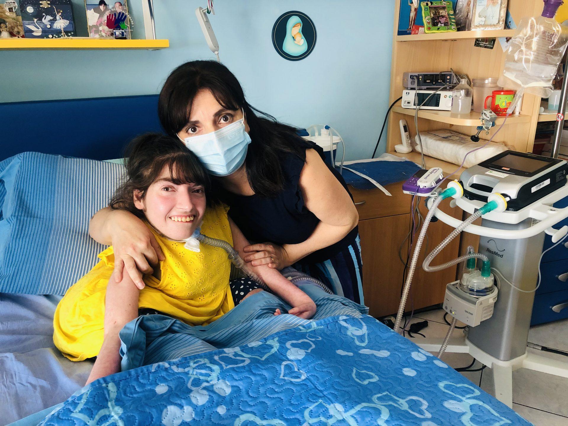 La figlia ha una malattia rara, ma la madre non ottiene il trasferimento