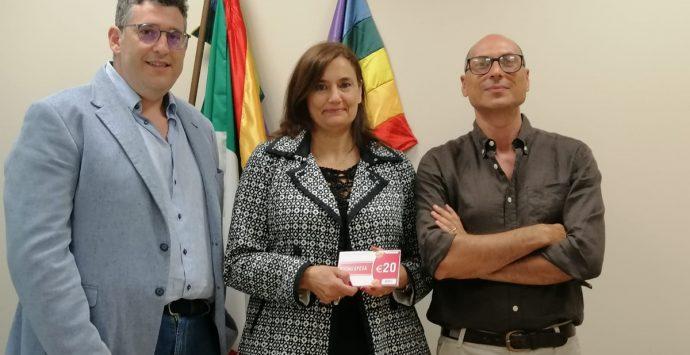 Reggio, i consulenti del lavoro donano buoni spesa per le famiglie in difficoltà