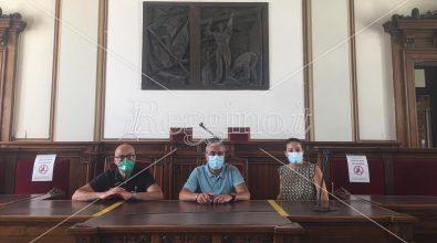 Reggio, operatori del terzo settore occupano la sala del Consiglio Comunale