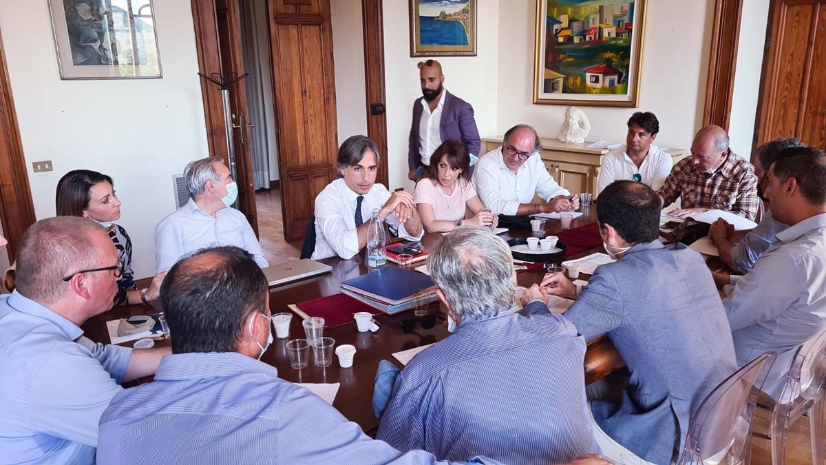 Castore, riunione a Palazzo San Giorgio per il pagamento delle spettanze alla Società comunale