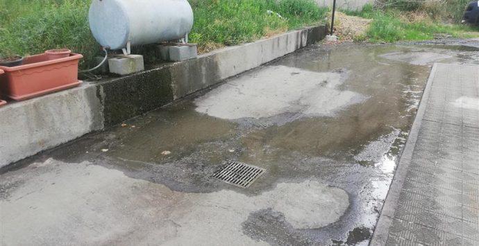 Motta San Giovanni, Crea: «Copiosa perdita idrica da individuare l'origine e la definitiva eliminazione»