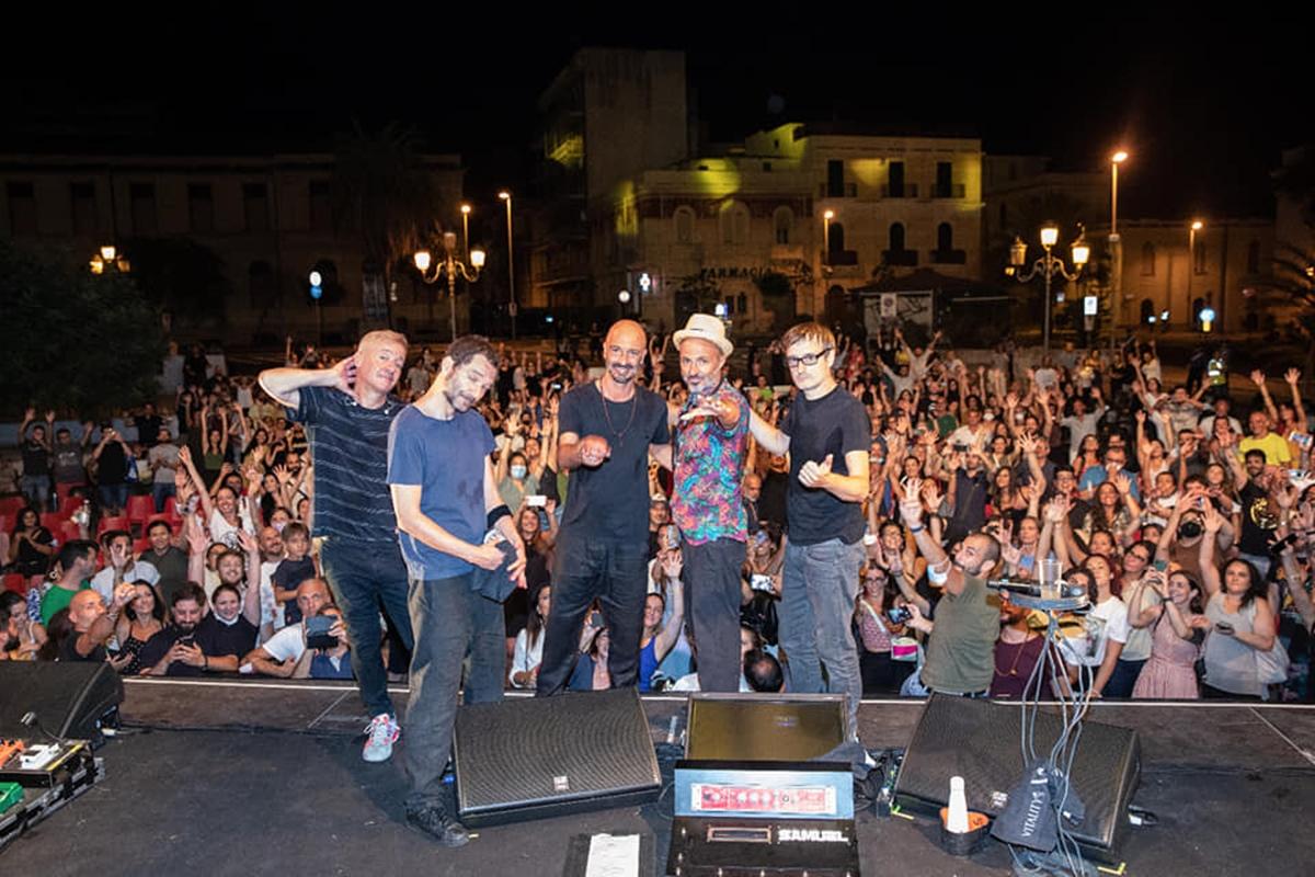 """""""Fatti di musica"""", a piazza Castello il live travolgente dei Subsonica"""