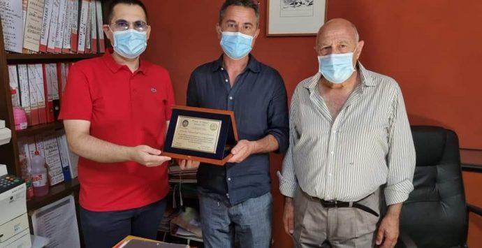 """""""O Nostos"""", premiati l'Ospedale """"Tiberio Evoli"""" e il professor Monorchio docente di Psicologia"""