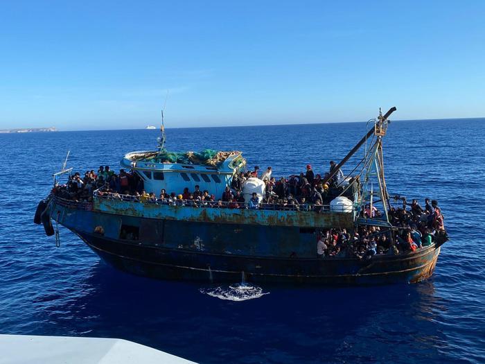 Sbarchi, trasferiti tutti i 300 migranti arrivati al porto di Reggio Calabria