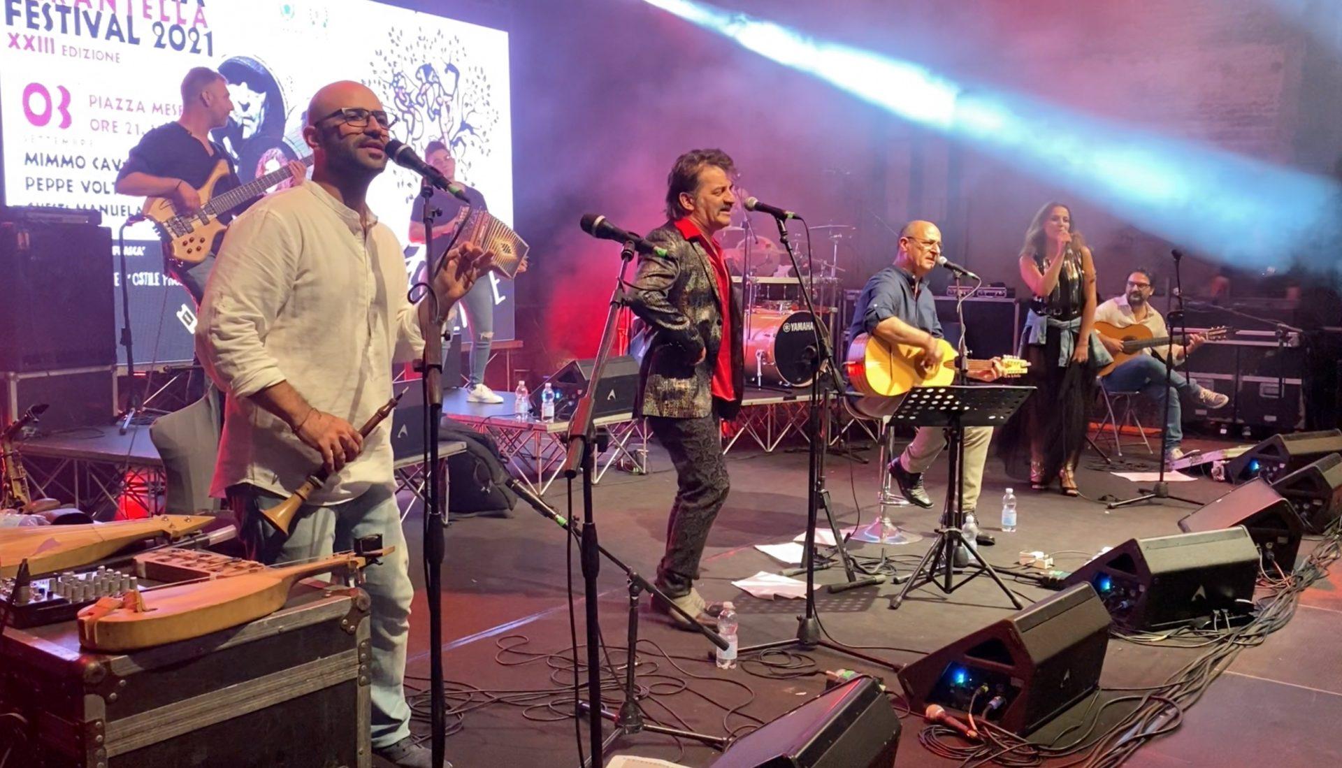 La resilienza del Kaulonia Tarantella Festival. Piazza Mese e la musica ritrovata