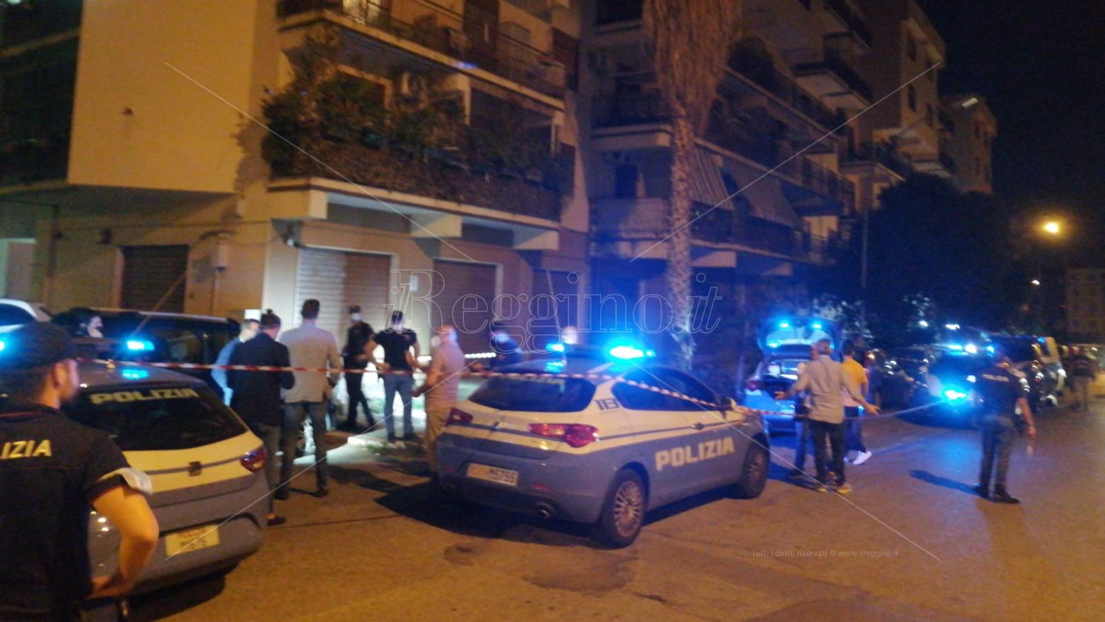 Reggio, esplode grosso petardo: momenti di paura sul viale Calabria