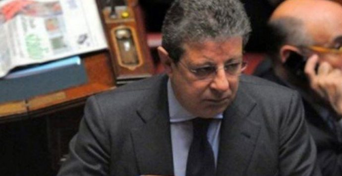 """Operazione """"Mala pigna"""", 29 arresti nella cosca Piromalli. In manette l'avvocato Pittelli. NOMI E DETTAGLI"""