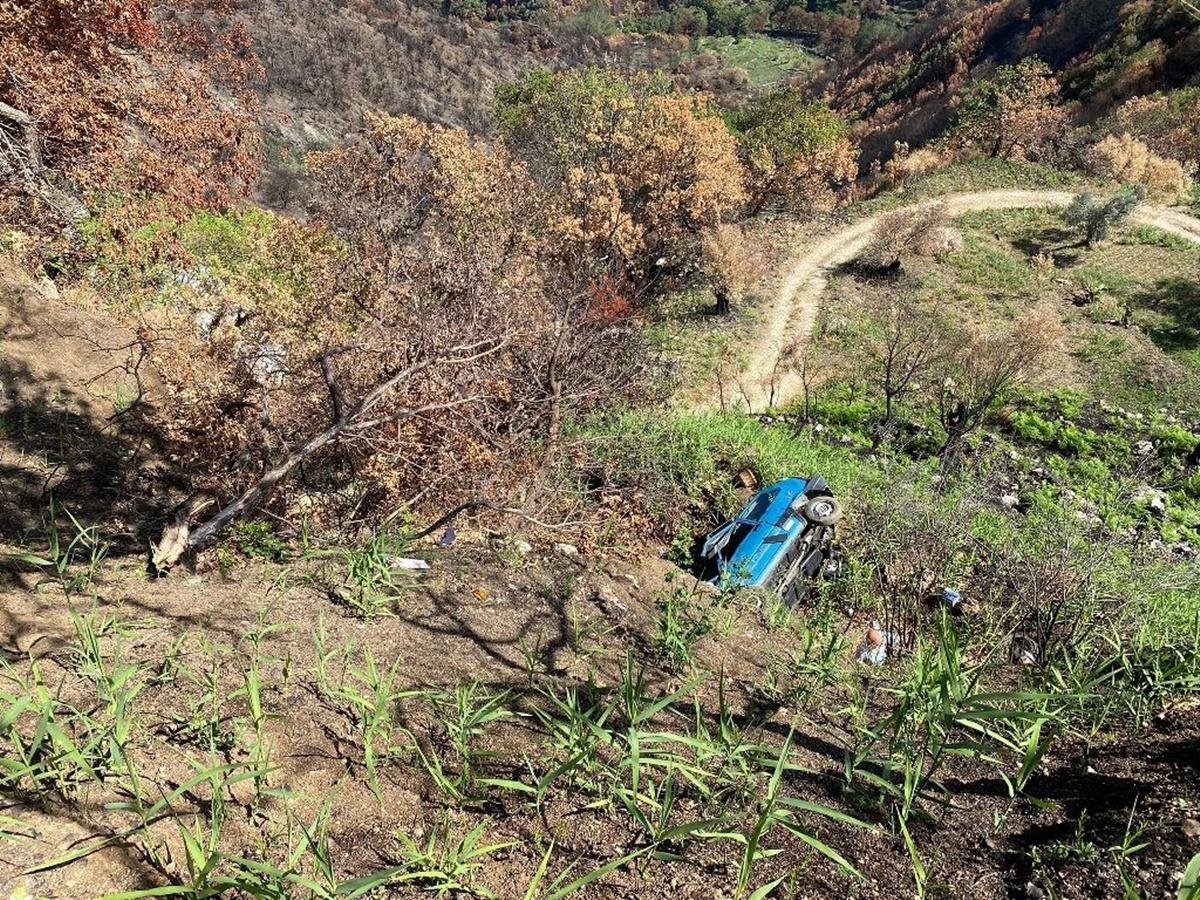 Anziano precipita con l'auto in una scarpata a Grotteria, soccorso da un poliziotto libero dal servizio