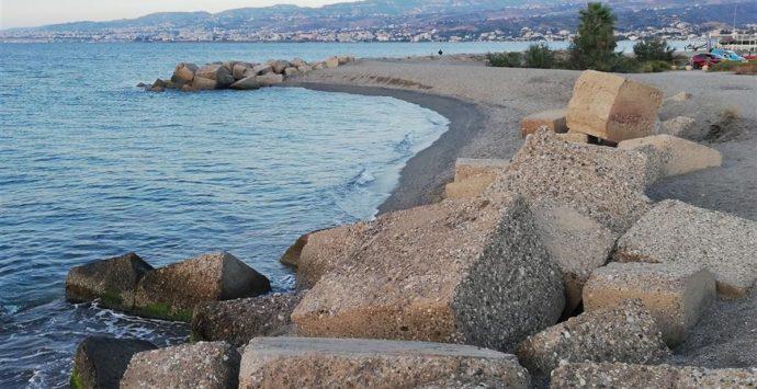 Erosione a Montebello Jonico, Crea: «Urgono interventi concreti di difesa costiera»