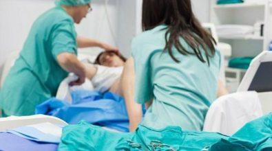 Feto morto al Gom durante il parto, indagati due ginecologi