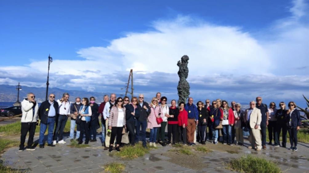 Reggio, il trekking archeologico degli amici del museo sul lungomare cittadino
